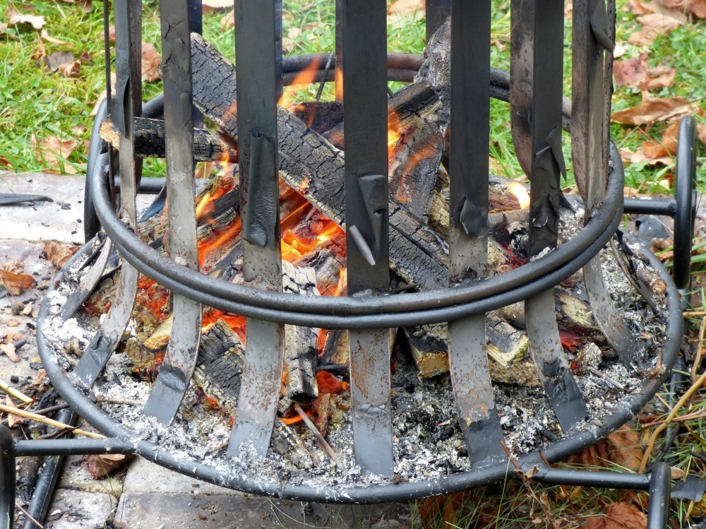 Tips for Installing a Backyard Fire Pit - Oakford Firewood ...
